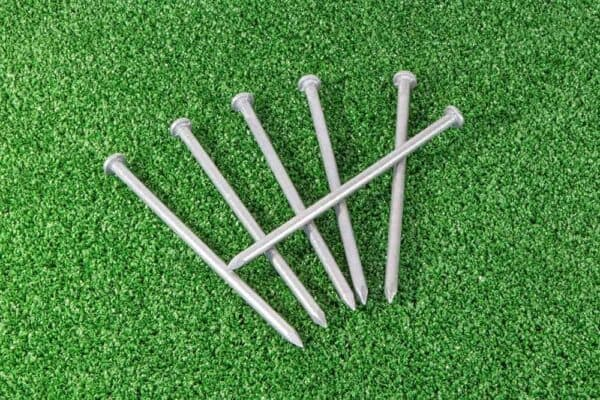 Artificial Grass Fixing Pins 1
